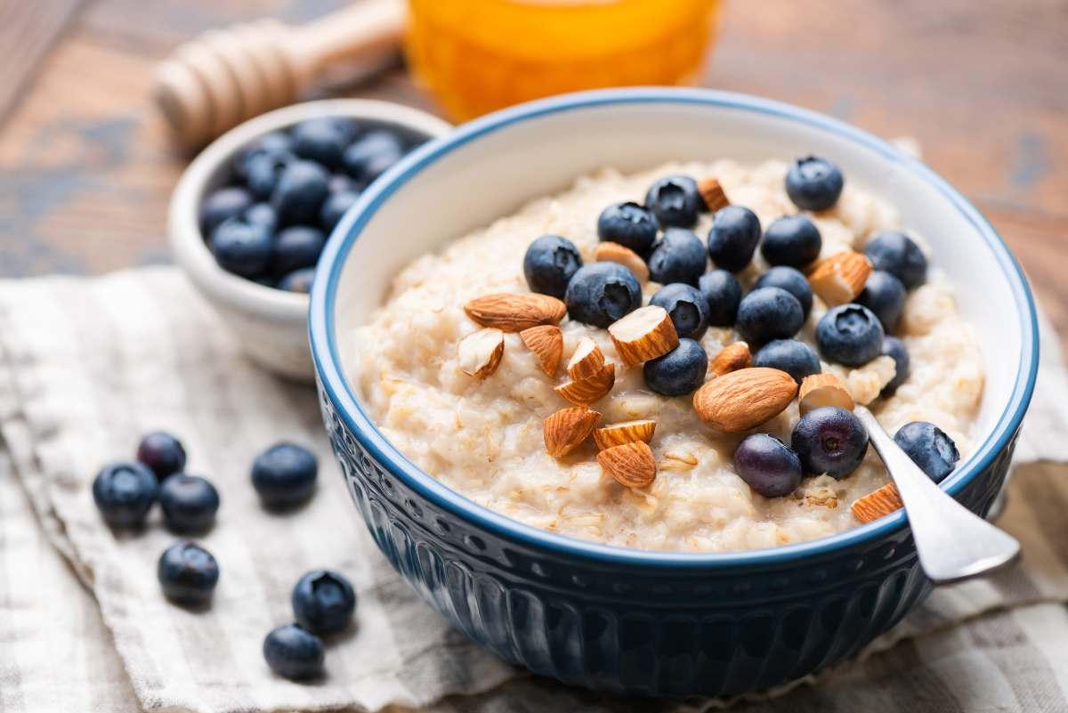 Se salti la colazione tutte le mattine, ti diamo tutti i motivi per cui devi smettere di farlo