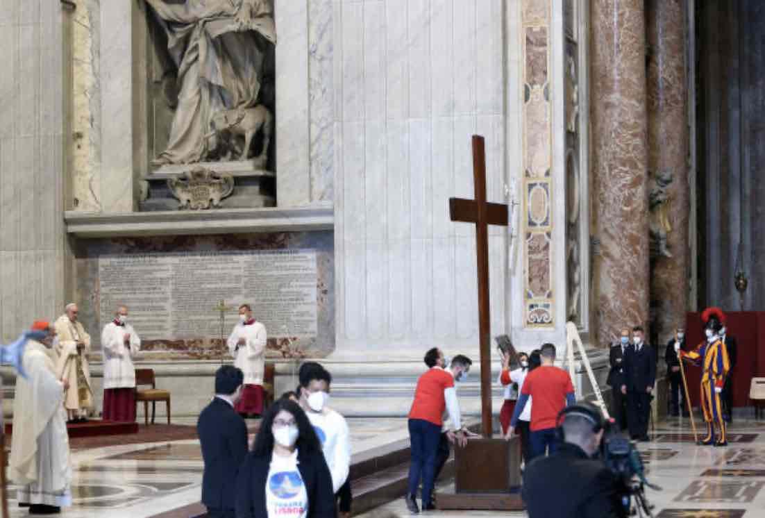 """Un prete """"dissidente"""" dice no alla messa di Natala anticipata (Getty Images)"""
