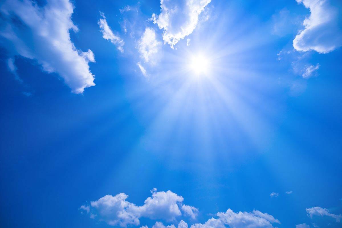 cielo azzurro sole