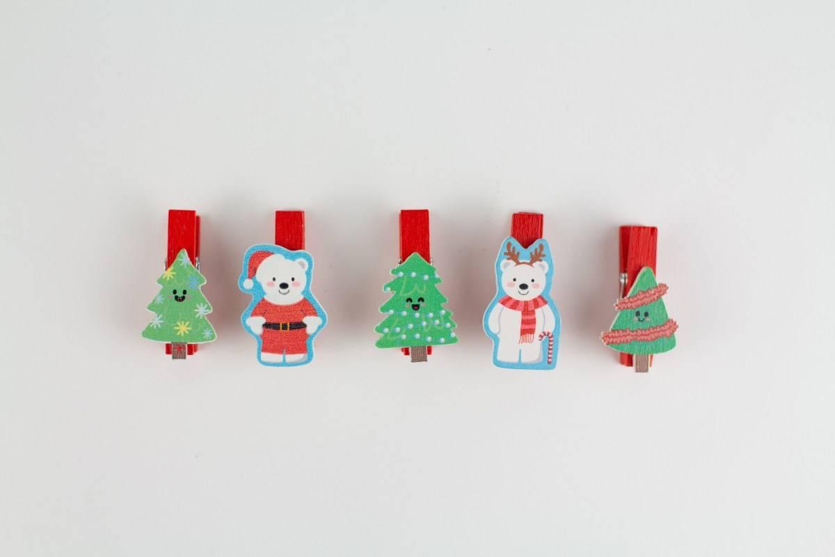 Natale, creazioni con mollette di legno
