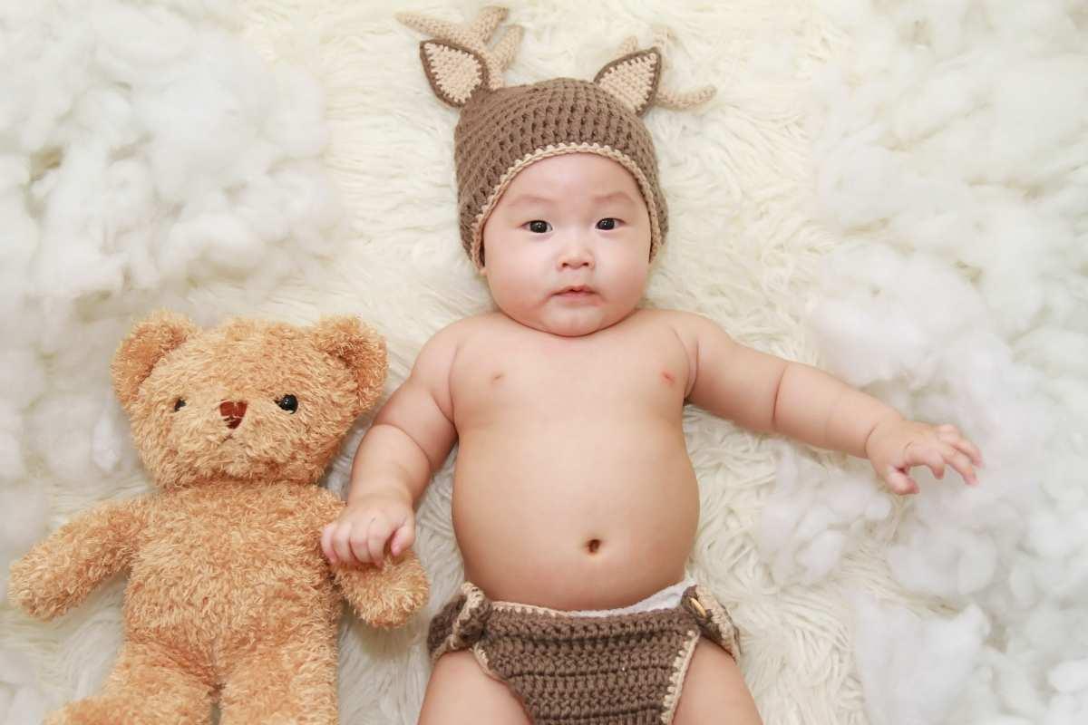 Neonato con orso