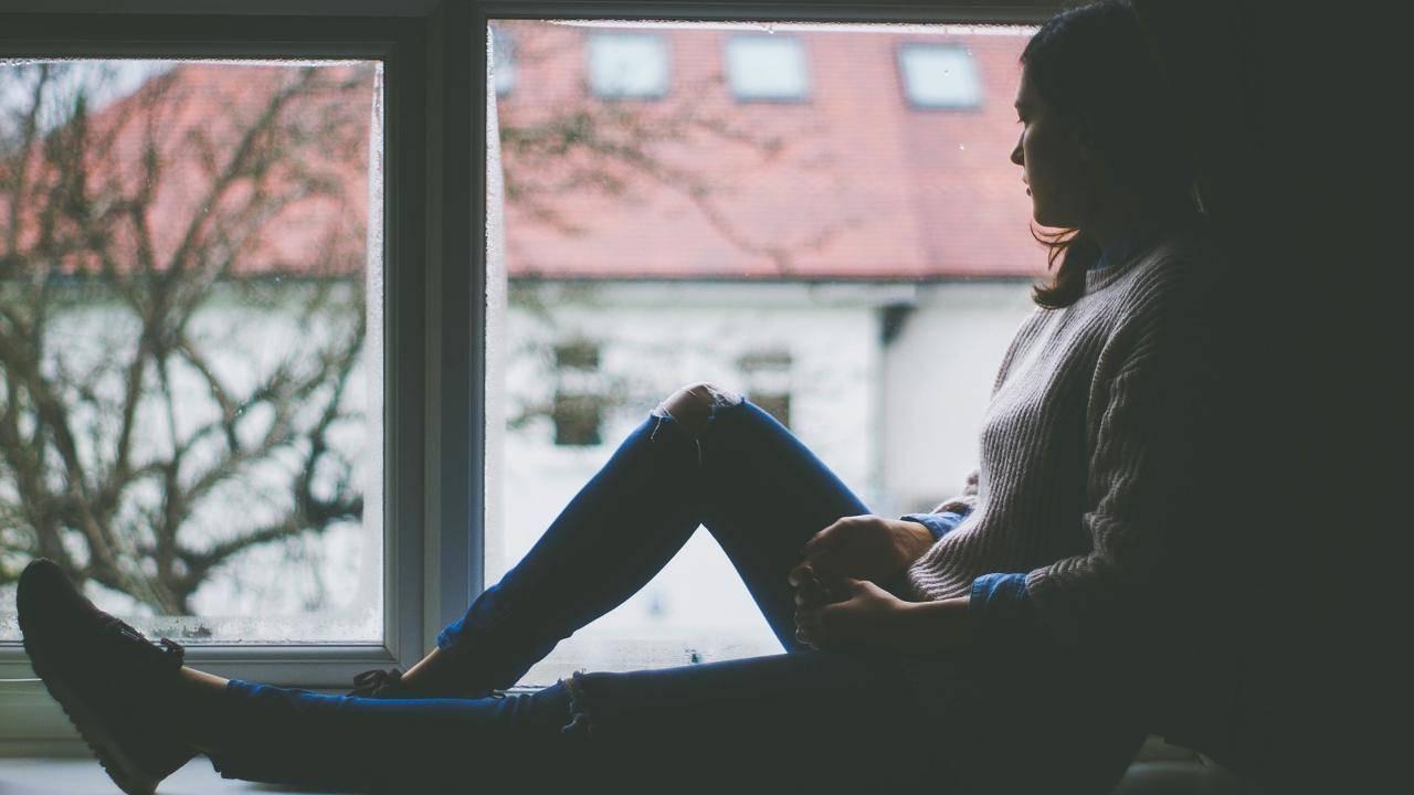 covid esposito aumentano disturbi depressivi tra ragazze
