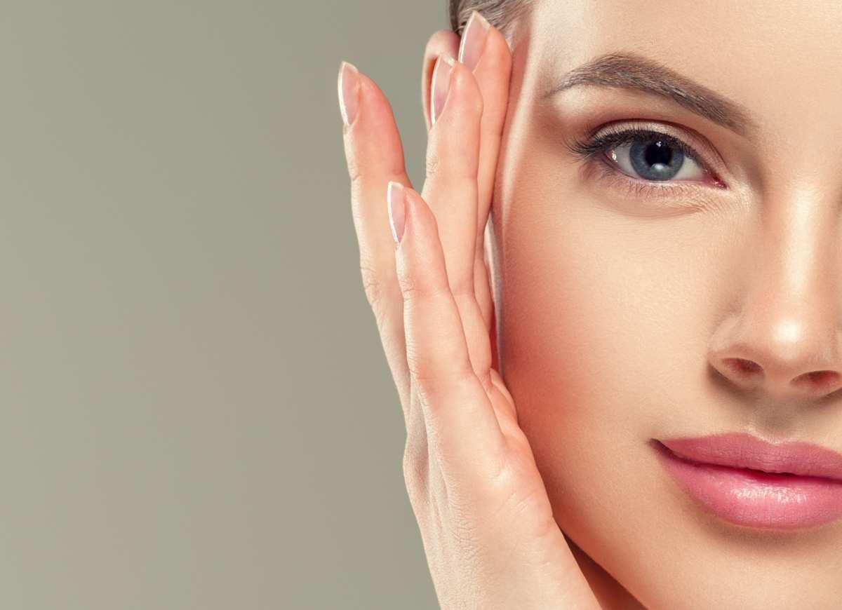 pelle del viso donna