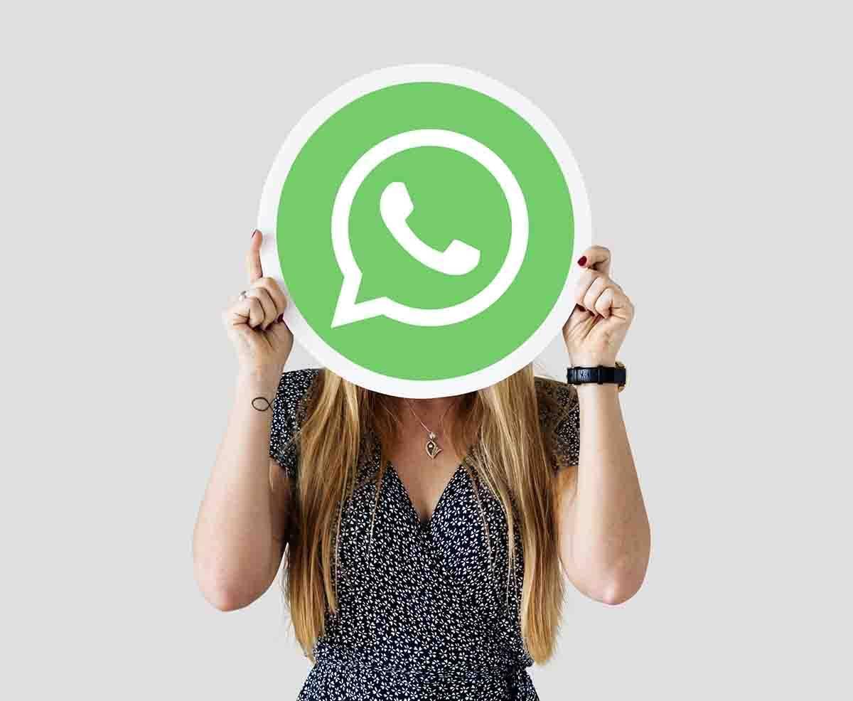 WhatsApp: come attivare la chat segreta per inviare messaggi a noi stessi