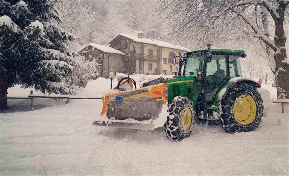 uomo ucraina neve