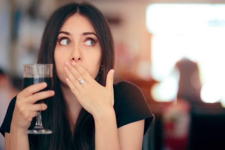 donna con alcol