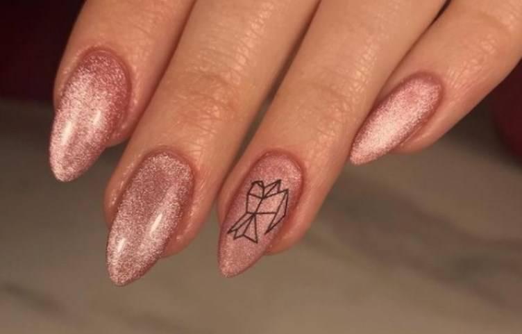 nails tattoo