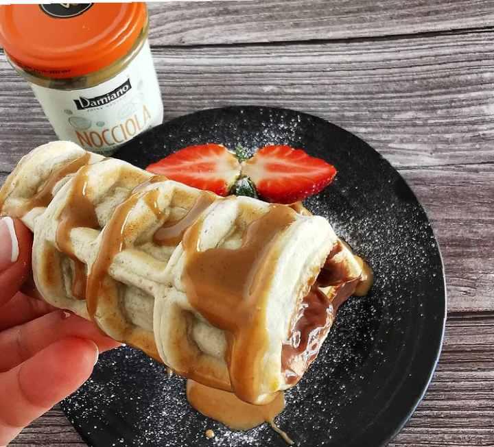 waffle cannoli