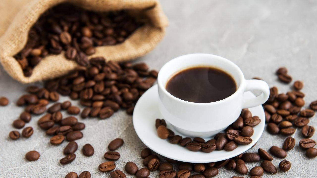 caffè male fegato