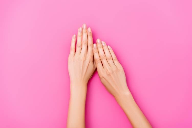 mani con smalto