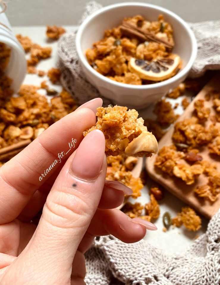 cinnamon granola flakes