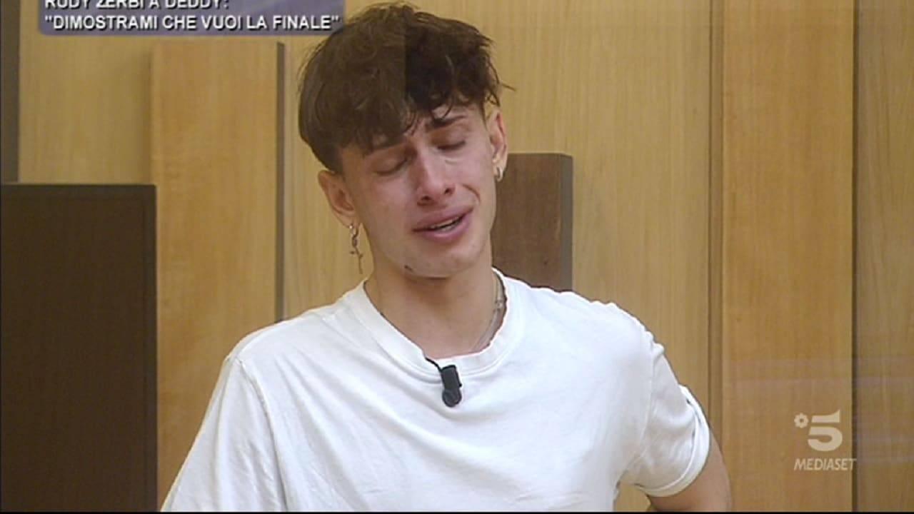 Deddy piange