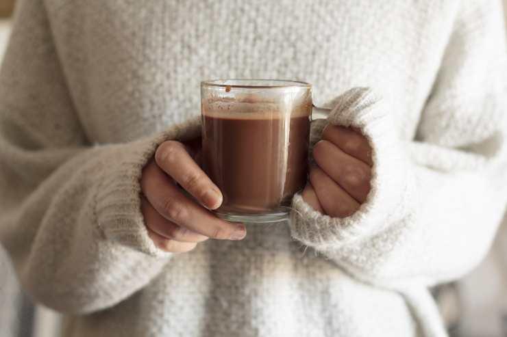 donna con cioccolata