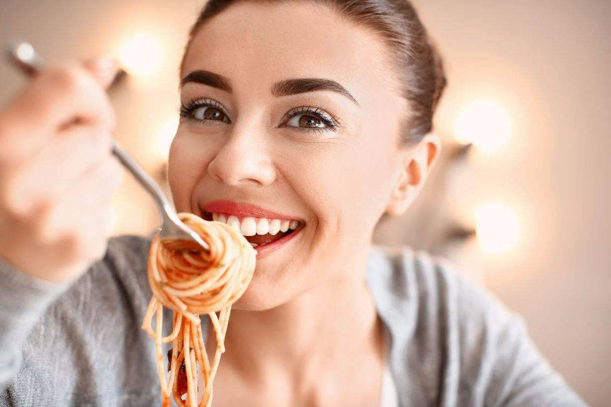 Ami il riso e la pasta? Mangiali in questo modo per perdere peso