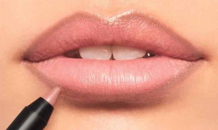 errori matita labbra