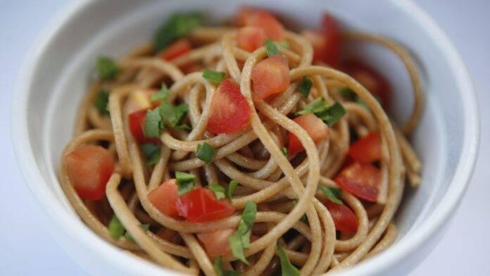spaghetti integrali rucola