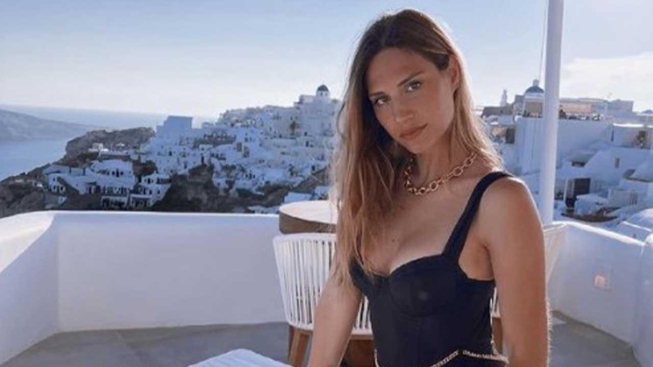 """Beatrice Valli si autodenuncia: """"Ho sbagliato la taglia"""". E' fuori tutto – FOTO"""