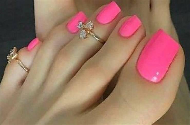 unghie piedi estate