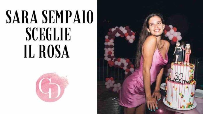 Sara Sempaio sceglie il rosa