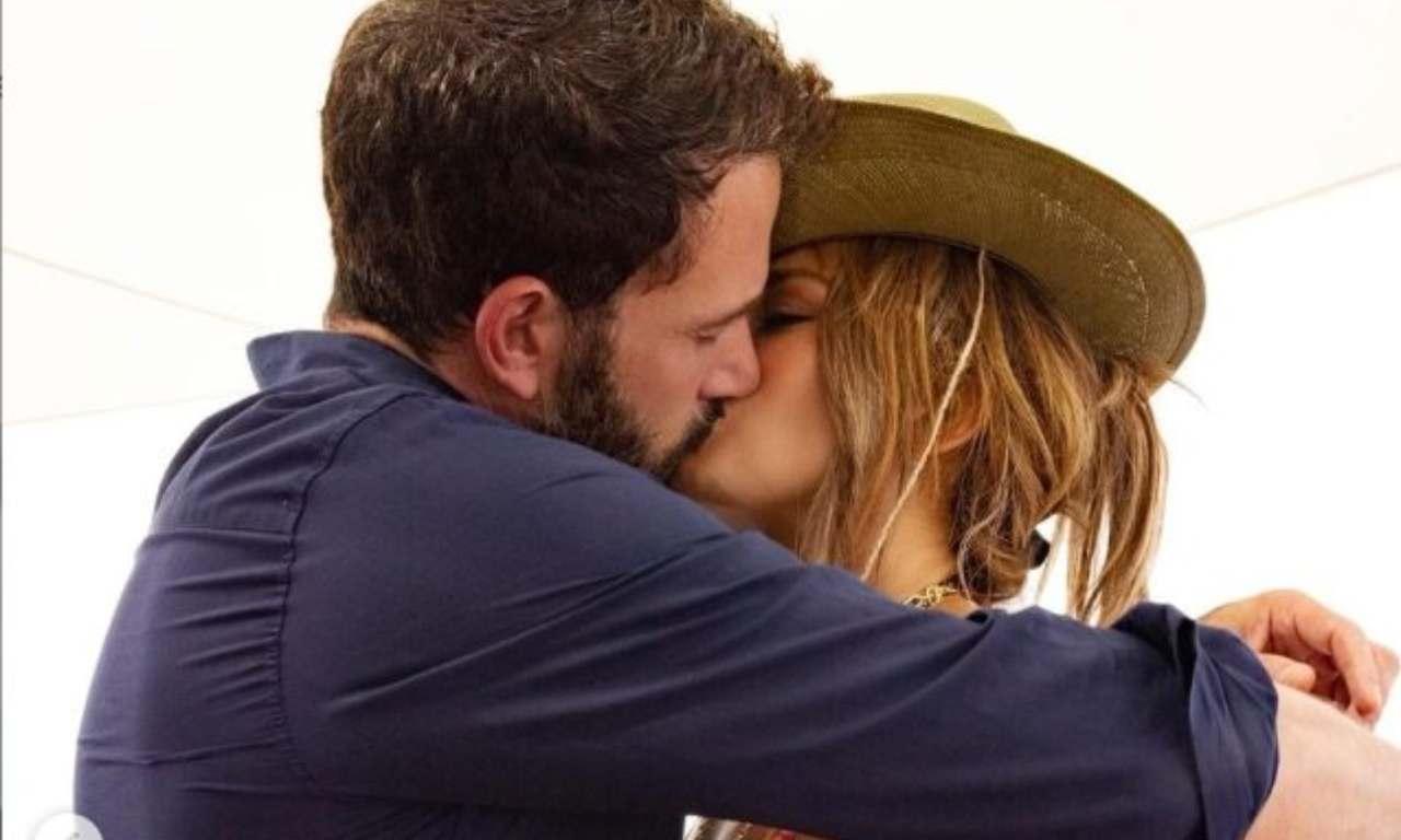 Jennifer Lopez a Capri   Alba Parietti contro Zorzi   Manuela dopo Temptation Island