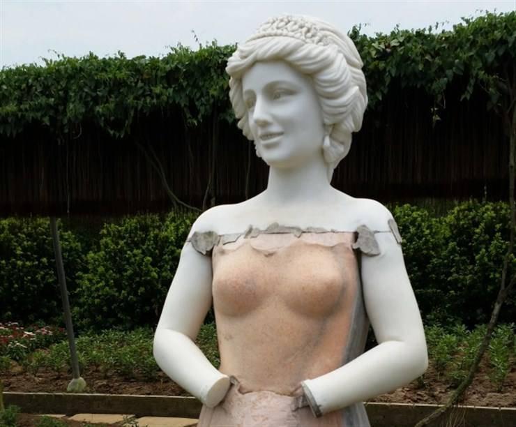 statue lady diana cina
