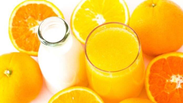 latte e succo d'arancia