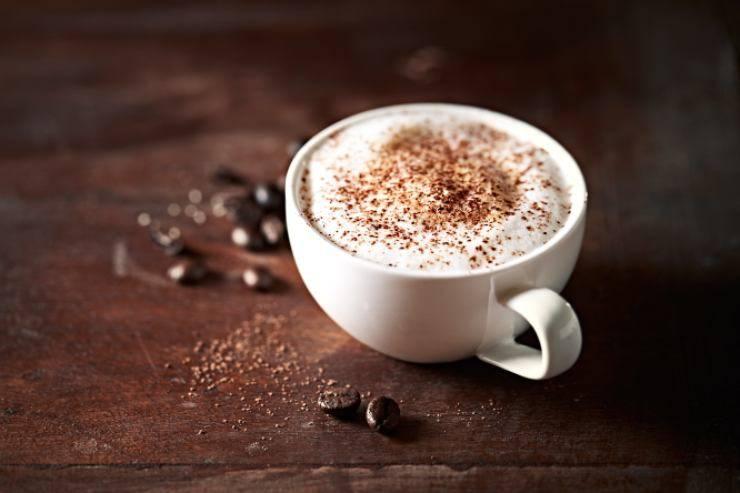 tazza con cappuccino