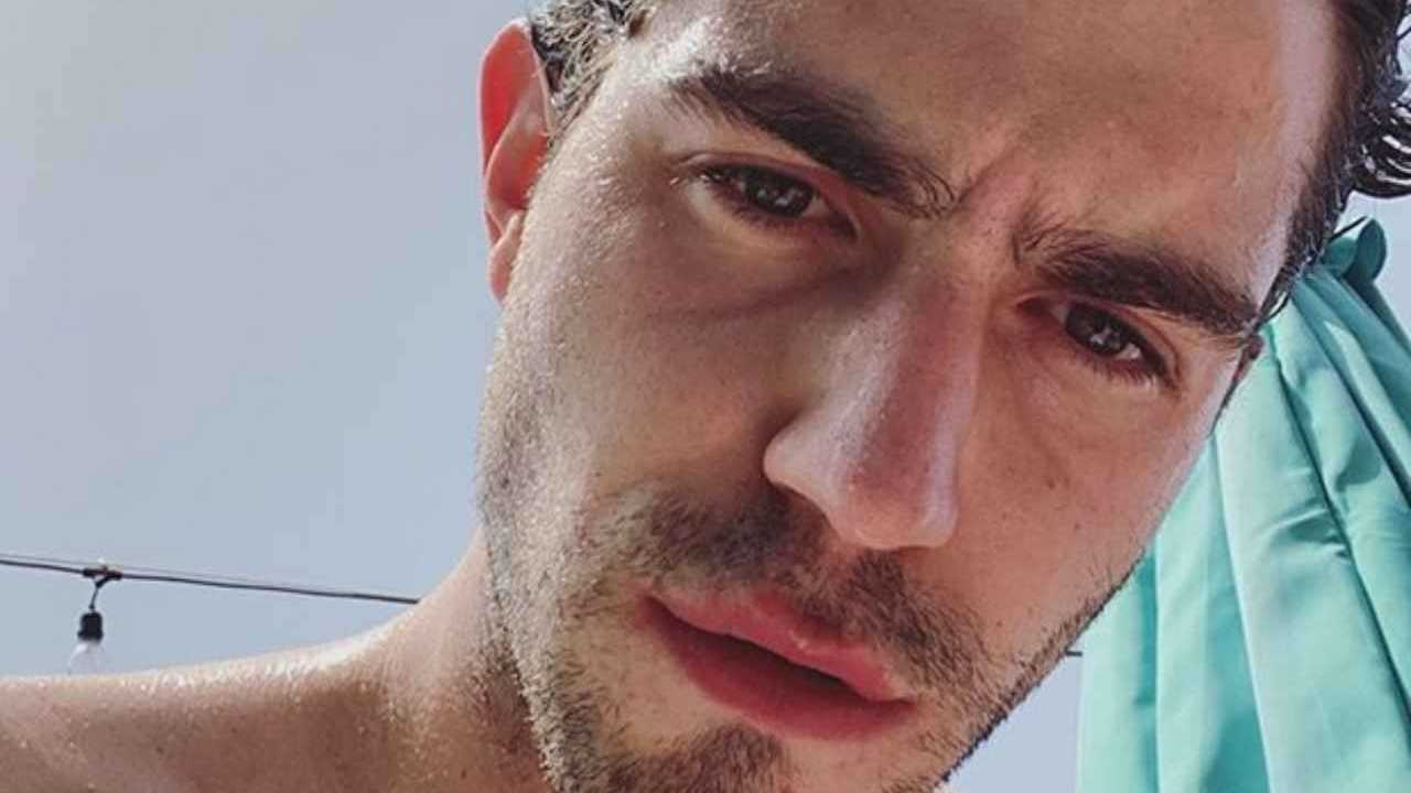 """Tommaso Zorzi sanguinoso su uno dei concorrenti del Gf Vip 6: """"A casa e curato…"""""""