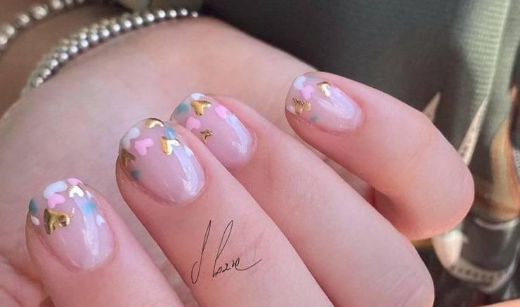 unghie cuoricini dorati