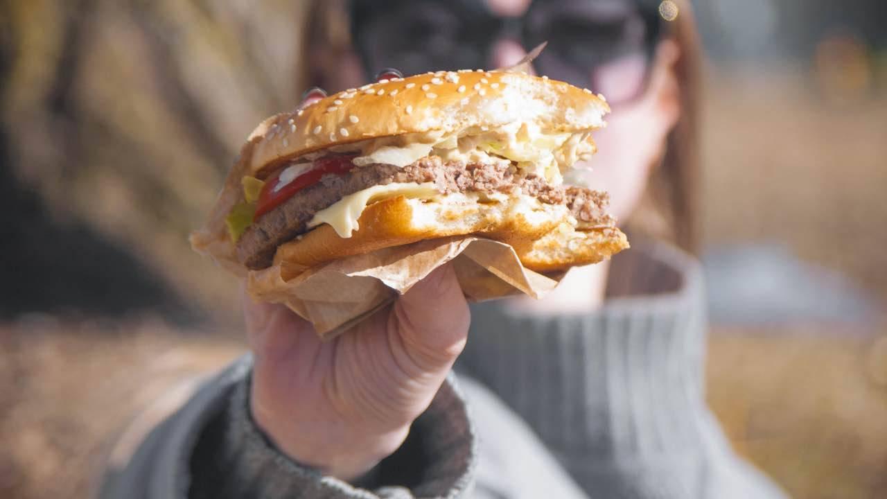 Il panino che i dipendenti di McDonald's non ordinerebbero mai