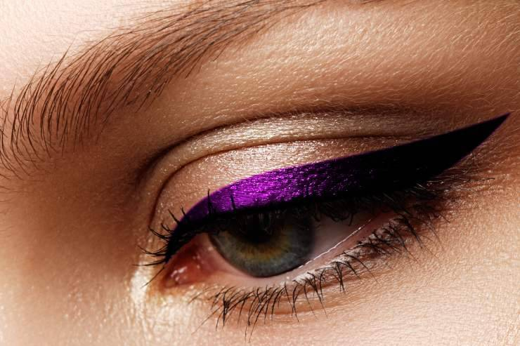 Eyeliner viola