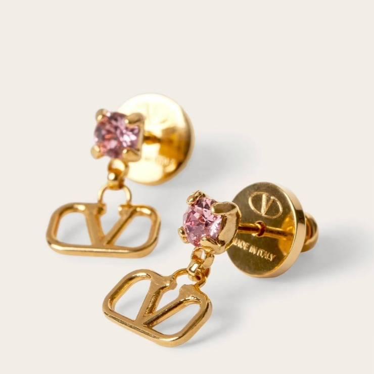 Orecchini logo di Valentino con perline cristallo rosa.