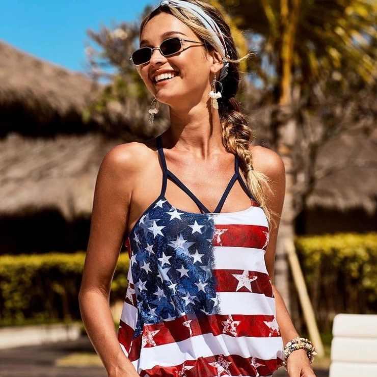 Le stelle americane nel look sono cool d'estate.