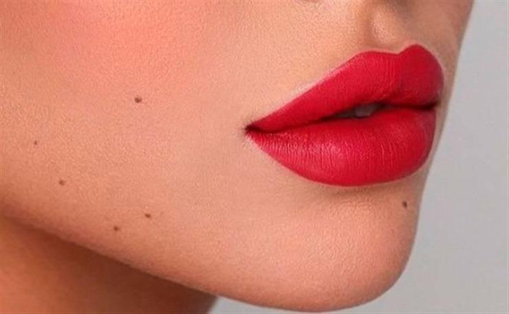 trucco labbra troppo dritte