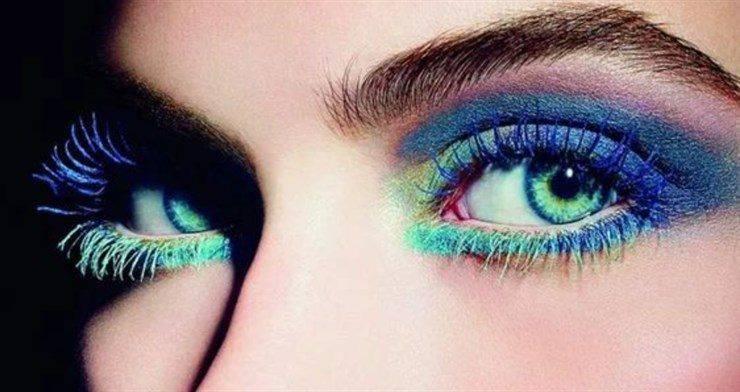 trucco occhi blu metallizzato