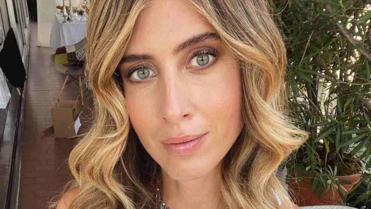 Brown beige makeup