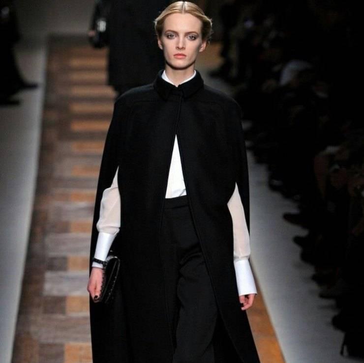 Mantella nera basic e lunga (1)