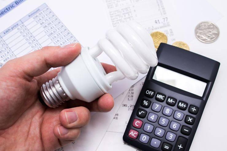 risparmiare bolletta luce