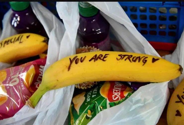 messaggi meghan markle banane