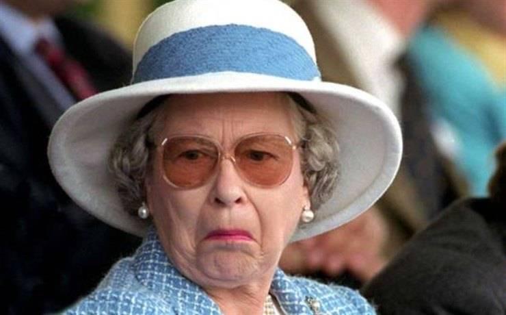 regina elisabetta is not amused