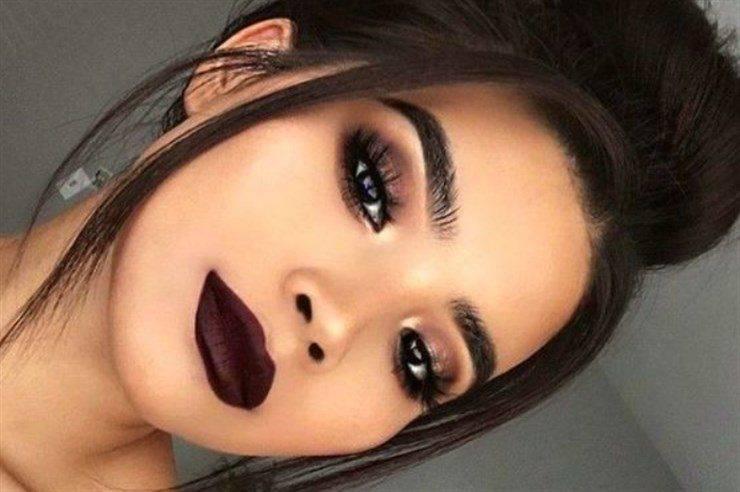 rossetto scuro trucco labbra autunno 2021
