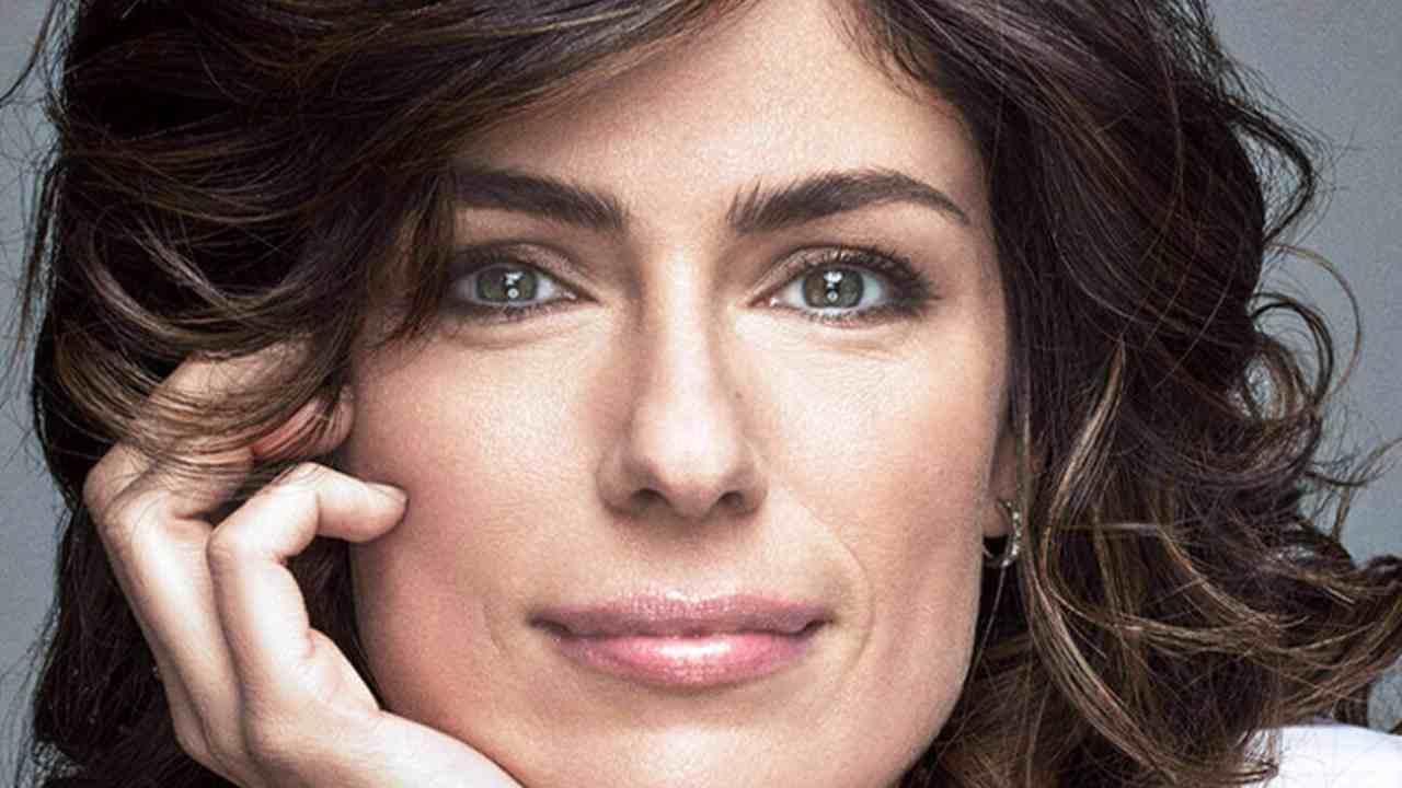 Anna Valle, da Miss Italia ad attrice affermata: l'incredibile trasformazione
