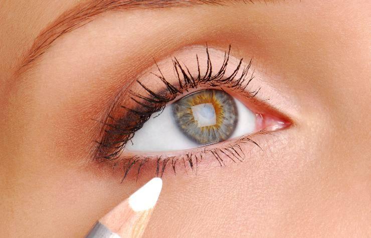 matita bianca occhio