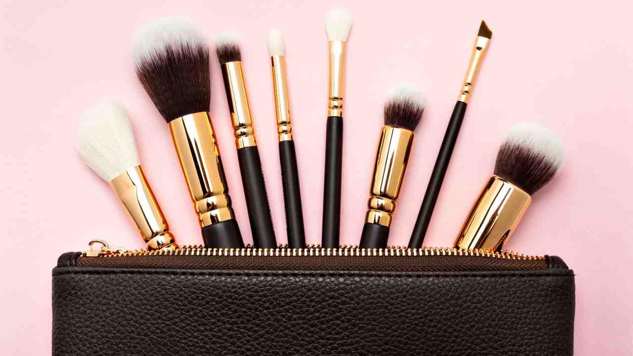 pulizia pennelli makeup