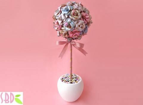 Idee matrimonio topiario con rose di carta come - L arte dei giardinieri di potare in forme bizzarre ...