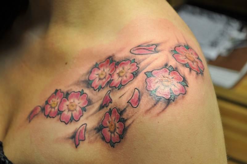 Super TATUAGGI: fiori di ciliegio, foto e significato - CheDonna.it LS69