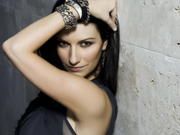 Laura Pausini, commento