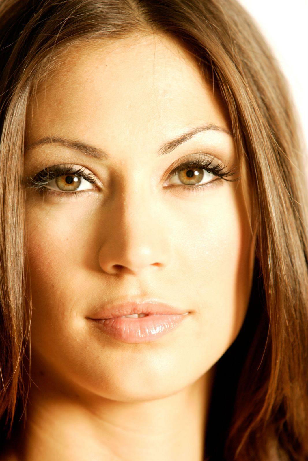 Aida yespica si fa toccare da cristiano malgioglio - 3 part 10