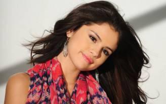 Selena Gomez in vacanza da sola
