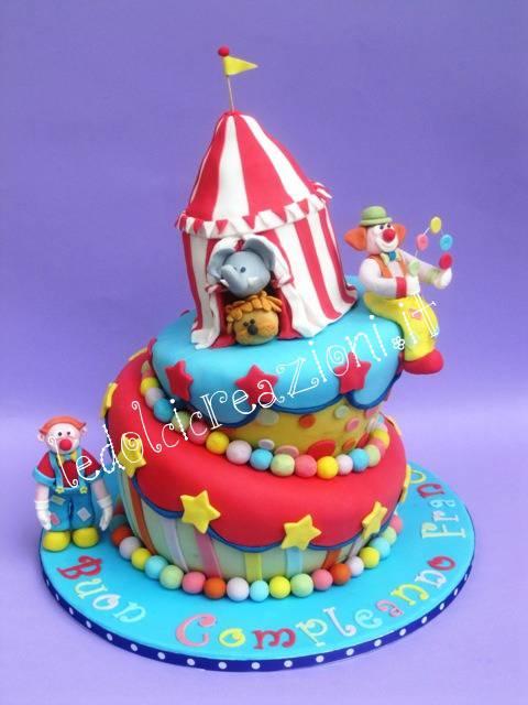circus cake TORTE DECORATE: il circo per i più piccoli